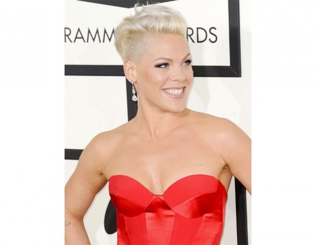 Capelli delle star: i tagli corti e medi da Miley Cyrus a ...