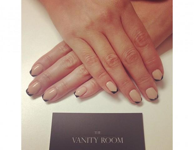 French manicure su base nude