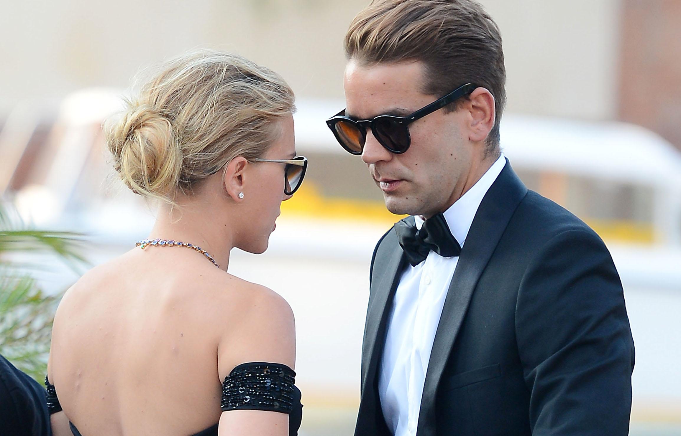 Matrimonio In Segreto : Scarlett johansson matrimonio in segreto con romain