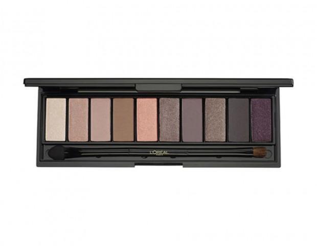 10 tonalità di ombretti nude in un chiaroscuro di nuance luminose dal finish mat, shimmer o nude