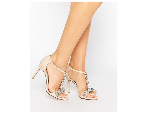 e17e3672ae60a9 Sandali gioiello: i modelli più scintillanti per l'estate 2016 - Tu ...