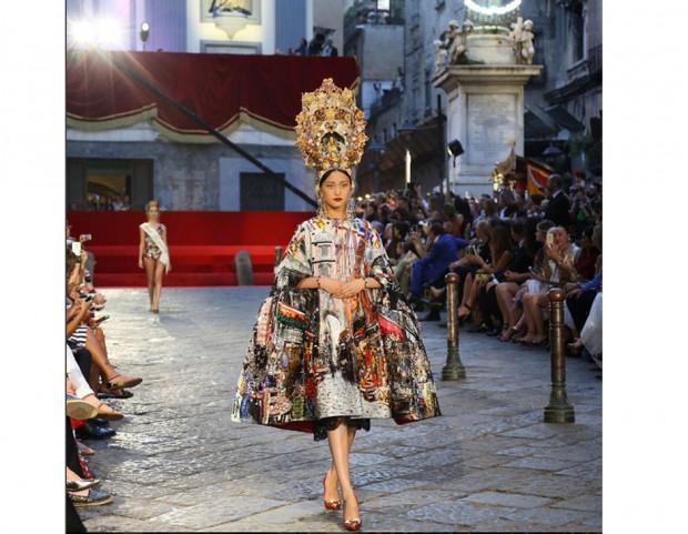 sale retailer 85641 935da Dolce & Gabbana celebra a Napoli 30 anni di alta moda con ...