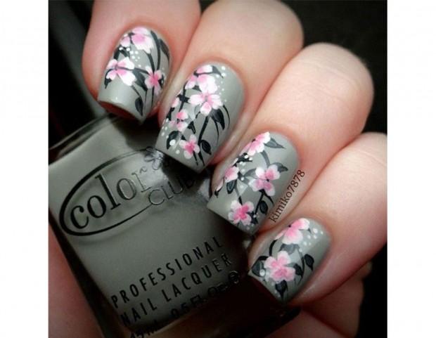 I fiori rosa di ciliegio risaltano su una base grigio taupe. Photo credits @kimiko7878