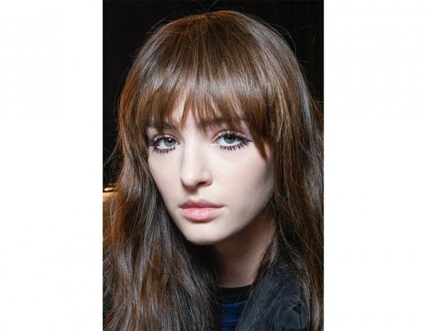 La frangia è il must di stagione per i capelli lunghi.