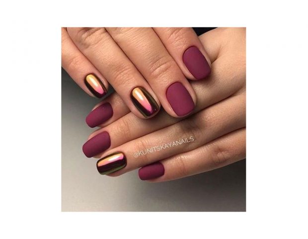 Effetto mirror cangiante come accent nails. (Photo credit Instagram @kunitskayanails)