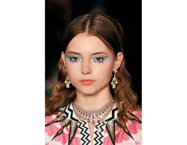 Trucco occhi glitter e colorato, azzurro e verde lime.