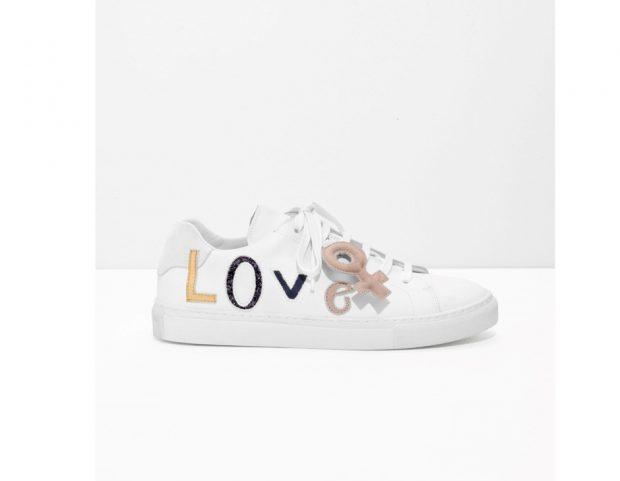 Sneakers con scritta Love