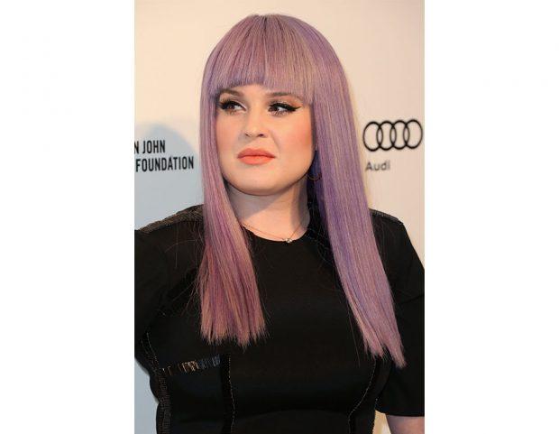 Kelly Osbourne e i suoi capelli iconici lilla. (Photo credit: Getty Images)