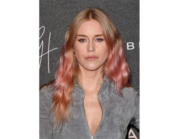 Rose gold sfumato per Lady Mary Charteris. (Photo credit: Getty Images)