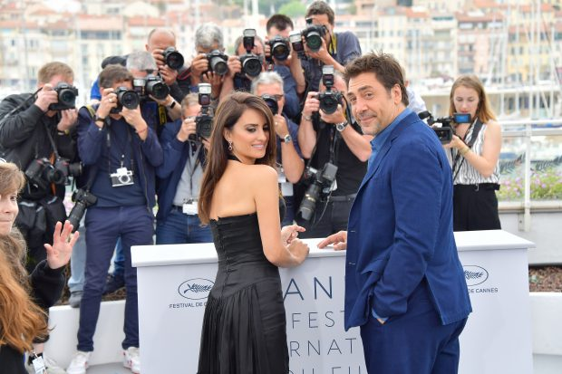 Penelope Cruz and Javier Bardem look loved up on the red carpet