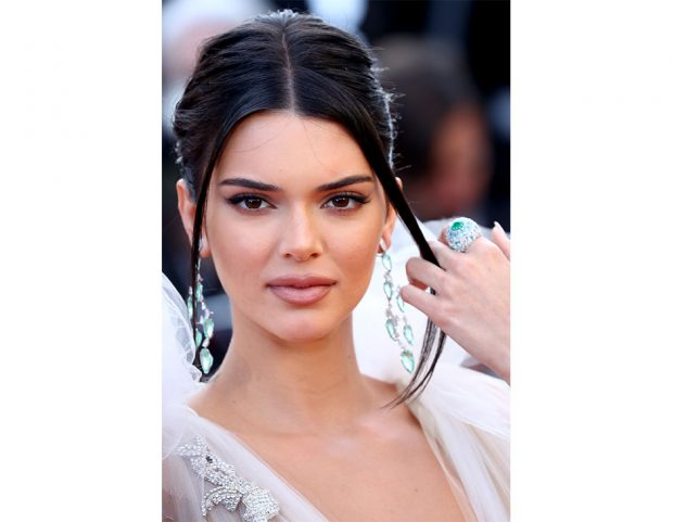 Labbra nude in primo piano per Kendall Jenner. (Photo credit: Getty Images)