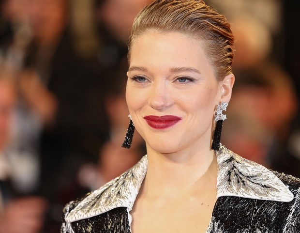 Wet look e rossetto intenso per Léa Seydoux. (Photo credit: Getty Images)