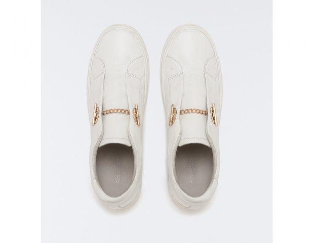 Sneakers di pelle con catena