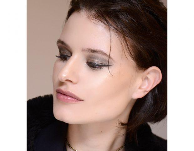 Ombretto metallico con eyeliner