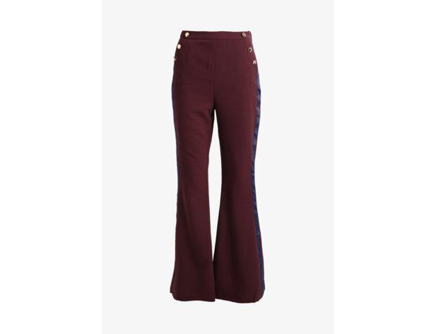 Pantaloni flare