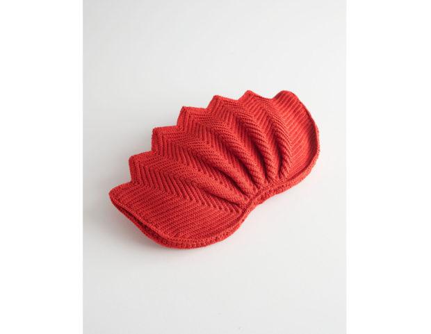 Clutch in crochet a forma di fiore di loto