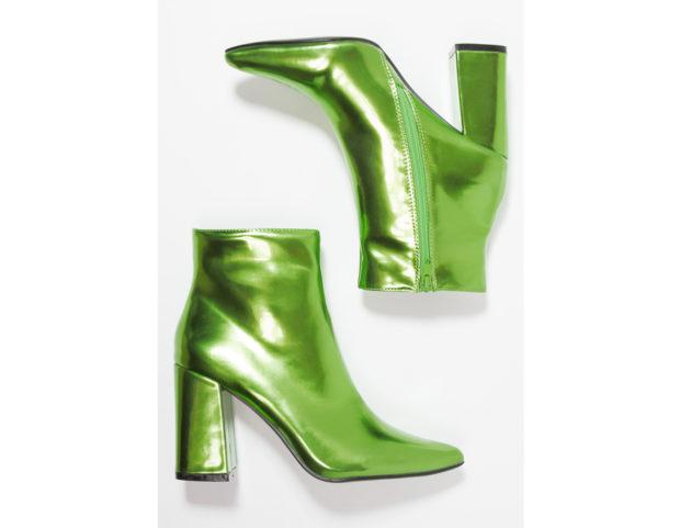 Stivaletti con tacco verde metallizzato