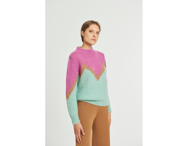 Pullover in mohair con intarsio zig zag