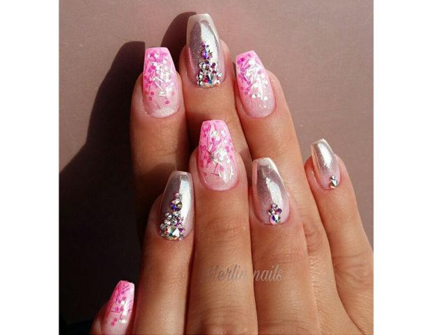 Nail art rosa shocking