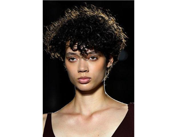 Taglio capelli ricci primavera estate 2019