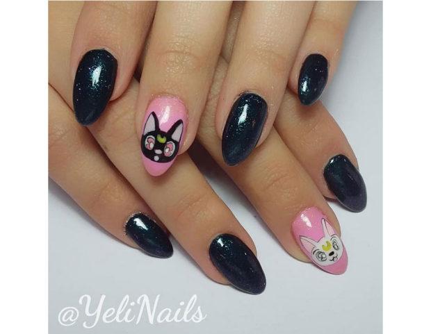 Accent nail con Luna e Artemis, i gatti di Sailor Moon. Photo credit: Instagram @yelinails