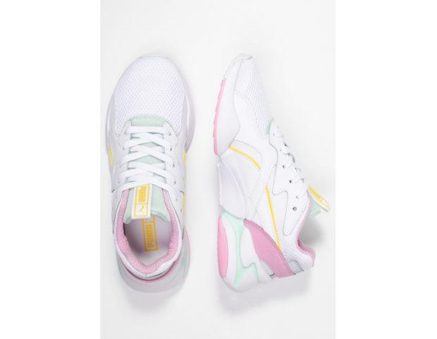 Sneakers bianche con dettagli pastello