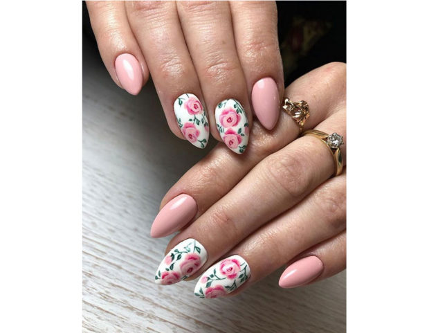 Nail art con rose rosa pastello. Photo credit: instagram @winiarskadaria