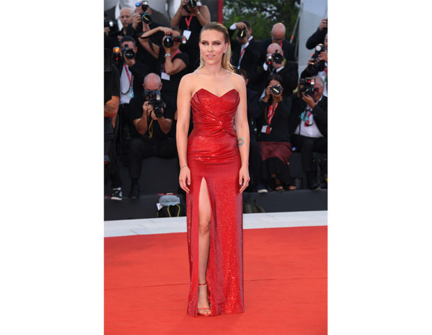 Scarlett-Johansson-venezia-76