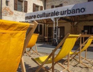 Pronta a goderti a Milano una spiaggia in città?