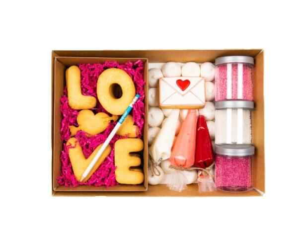 valentine-cookie-kit