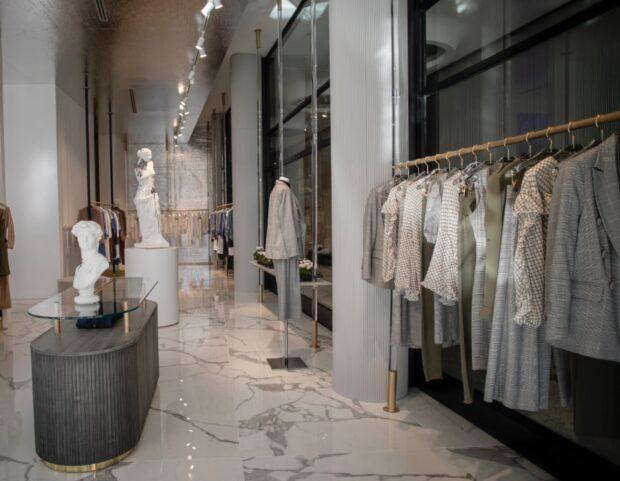 interno nuovo store NaraCamicie Milano