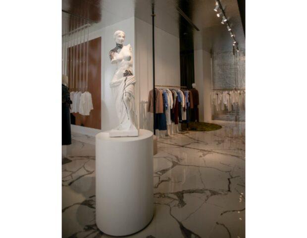 particolare interno store NaraCamicie Milano