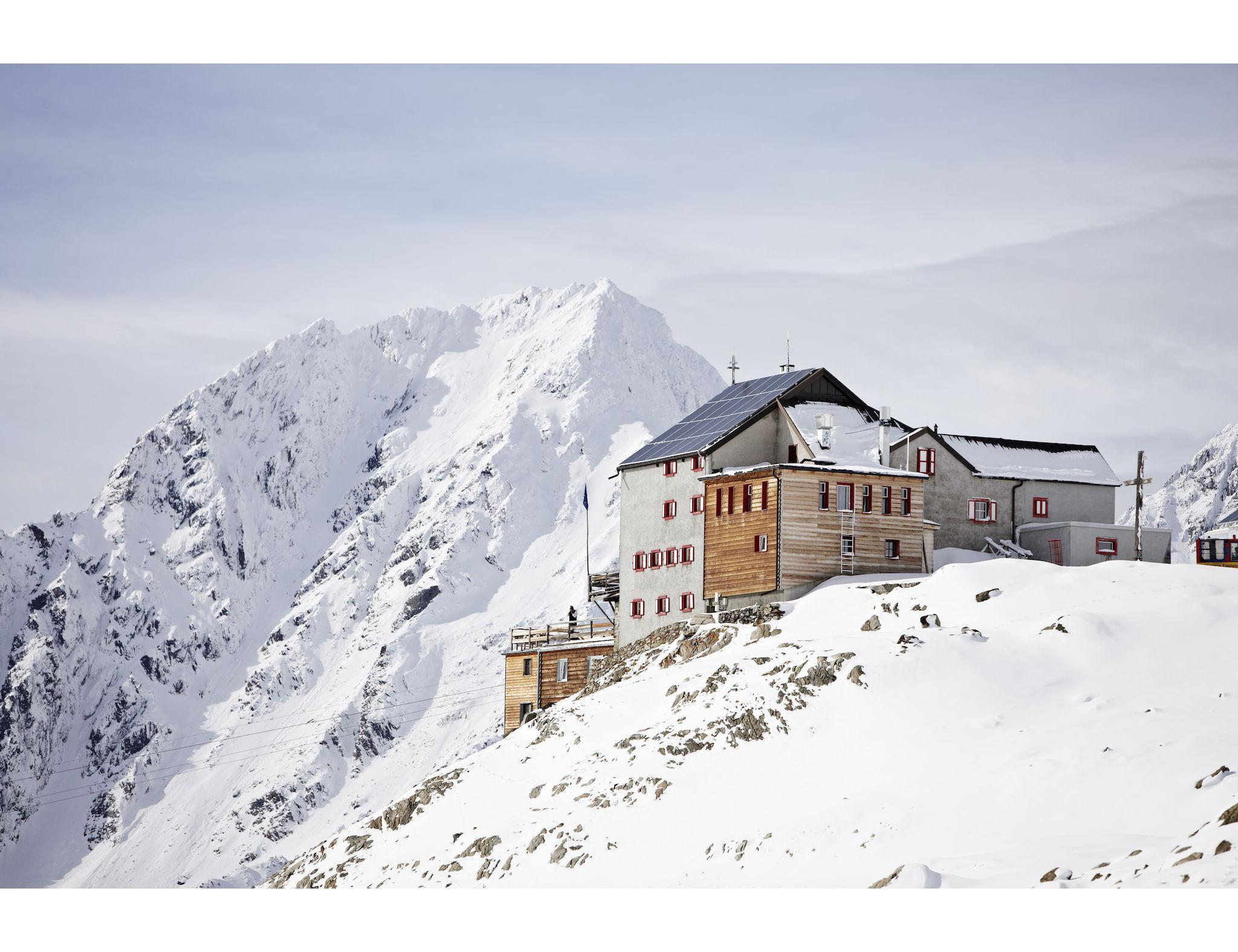 Per gli alpinisti è d'obbligo il iRifugio Bella Vista